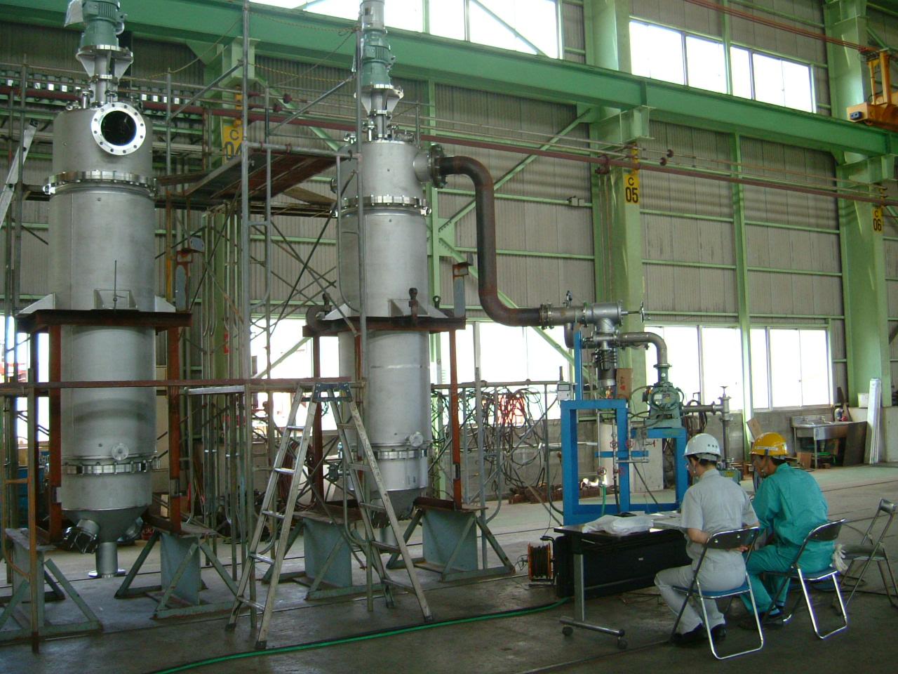 堅型薄膜蒸発器
