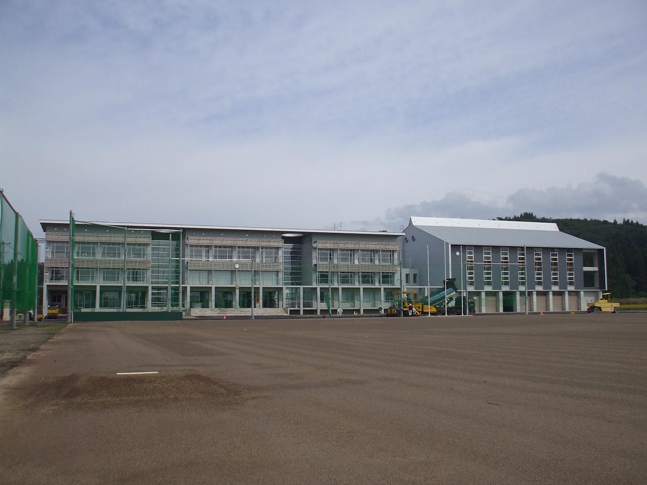 尾花沢市立福原中学校校舎